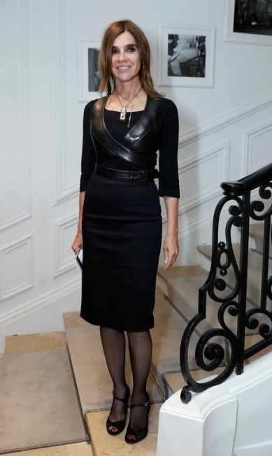 Uma das mulheres mais influentes da moda atual, Carine Roitfeld, ex-diretora da 'Vogue Paris' e atual diretora de geral da 'Harper's Bazaar', é referência quando o assunto é estilo BENOIT TESSIER/REUTERS