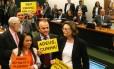 Deputados comemoram rejeição de recurso de Eduardo Cunha na CCJ