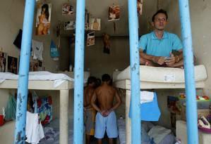 Presos em cela de penitenciária no Piauí: maior prevalência de doenças como Aids e tuberculose que na população em geral Foto: Michel Filho