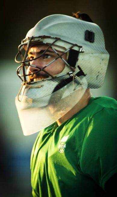 Thiago Bomfim é o segundo goleiro: atleta trancou a faculdade de Microbiologia para se dedicar à preparação intensa para os Jogos Guito Moreto / Agência O Globo