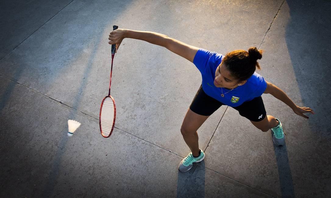 """Lohaynny Vicente começou a praticar badminton aos 7 anos, por incentivo da irmã, Luana: """"Até hoje não acredito que vou competir na Olimpíada"""", diz Guito Moreto / Agência O Globo"""