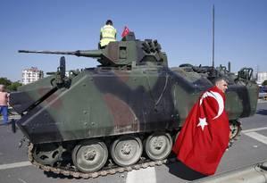 Militares tentam derrubar Erdogan em noite violenta em Ancara e Istambul; desfecho é incerto Foto: BAZ RATNER / REUTERS