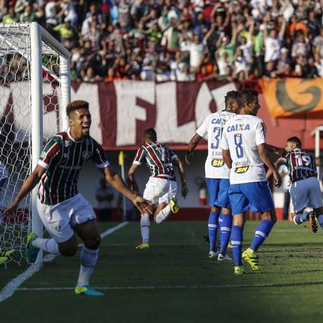 Cícero abriu o placar na vitória do Fluminense sobre o Cruzeiro em Edson Passos Foto: Alexandre Cassiano / Agência O Globo