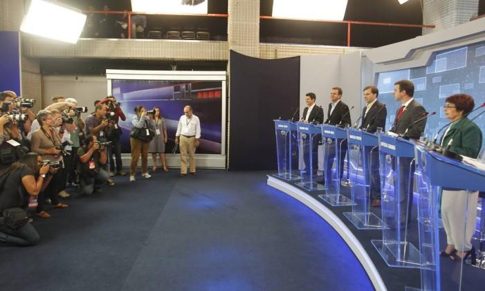 Debate na TV entre os candidatos a prefeito do Rio em 2012 Foto: Marcelo Carnaval/ Agência O Globo 02/08/2012