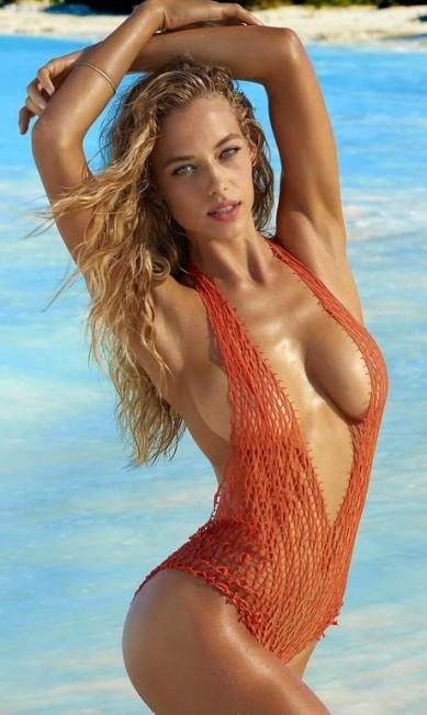 """Tem nova bombshell na área. Aos 24 anos, a texana Hannah Ferguson desponta como a sensação sexy da moda internacional. Esse ano, por exemplo, mostrou suas curvas nas páginas da """"GQ"""" britânica, da """"Vanity Fair"""" italiana, da """"Glamour"""" mexicana e na """"Marie Claire"""" tcheca. E, claro, foi musa da """"Sports Illustrated"""", ao lado de Gigi Hadid e Irina Shayk Sports Illustrated"""