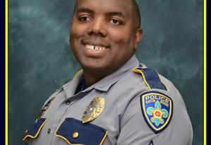 Entre dois fogos. Jackson disse sofrer por ser policial e também por ser negro Foto: AFP