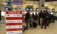 A fila no guichê da Avianca no aeroporto Santos Dumont