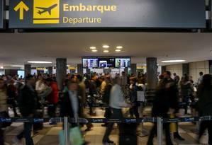 Filas longas no aeroporto de Congonhas, em São Paulo Foto: Pedro Kirilos / Agência O Globo