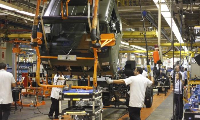 UE aplica multa recorde a montadoras de caminhões