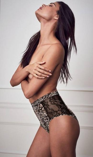 Daniela faz topless para promover a nova coleção de lingeries da Victoria's Secret Divulgação