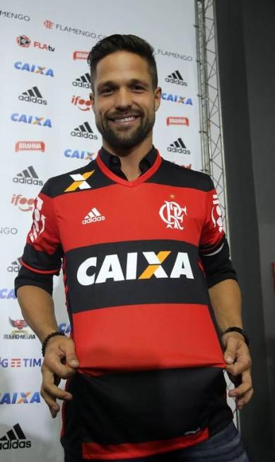 Revelado pelo Santos, Diego vai, pela primeira vez, aos 31 anos, jogar no futebol do Rio Rafael Moraes / Agência O Globo