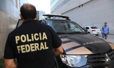 Polícia Federal em operação em 08/04/2016 Foto: Custódio Coimbra / Agência O Globo