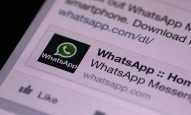 WhatsApp possui criptografia ponta a ponta que impede grampos em conversas Foto: Chris Ratcliffe / Bloomberg