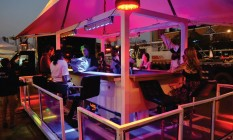 Pronto para subir. O Bar nas Alturas já passou pelo festival de música Lollapalooza, em São Paulo Foto: Divulgação / Artur Spada