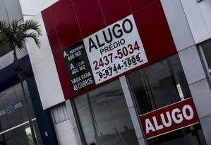 Anúncio de aluguel de prédio comercial na Barra de Tijuca, Rio de Janeiro Foto: Dado Galdieri / Bloomberg