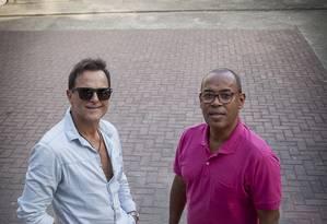 Sylvinho Blau Blau (à esquerda) e Kleber Vieira na lona Foto: Analice Paron / Agência O Globo