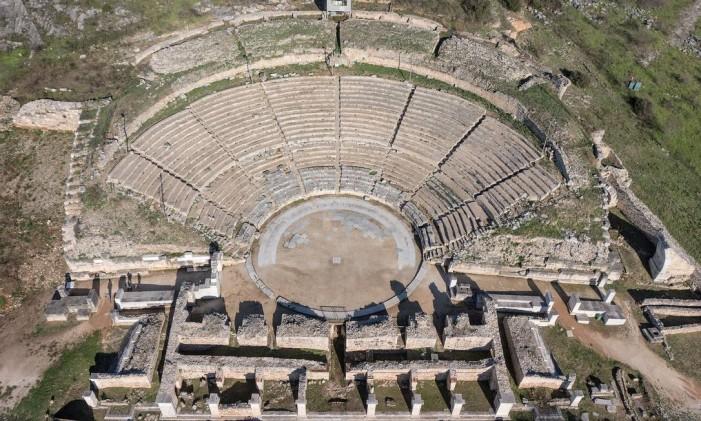 Ruínas do anfiteatro de Filipos, na Grécia Foto: Achilleas Savvopoulos / Divulgação