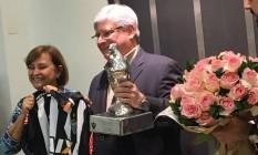 Procurador-geral da Repubçica, Rodrigo Janot, é homenageado pelo Atlético Mineiro Foto: Divulgação