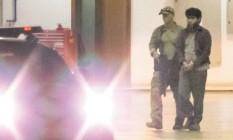 Acusado preso na quinta é levado de Brasília para Campo Grande Foto: André Coelho