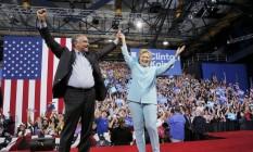 Hillary Clinton anuncia Tim Kaine com companheiro de chapa durante comício em Miami, na Flórida Foto: BRIAN SNYDER / REUTERS