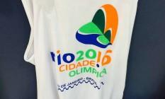 Camisas com símbolos relacionados aos Jogos Olímpicos foram recolhidas Foto: Divulgação