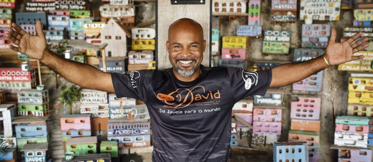 """Raiz. David, dono do bar que leva seu nome no Chapéu Mangueira: """"Não imaginava que estava à altura dos outros competidores"""" Foto: Agência O Globo / Fernando Lemos"""