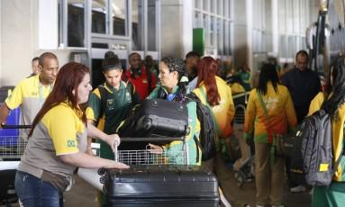 Delegação da Africa do Sul desembarca no aeroporto do Galeão Foto: Pablo Jacob / Agência O Globo