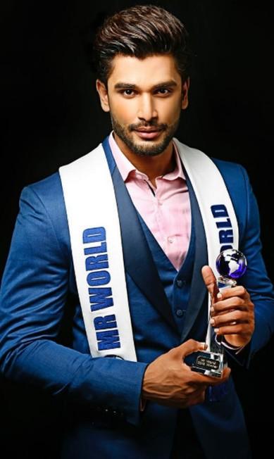 Ator e modelo indiano, ele venceu o Mr. World 2016, concurso anual que elege os homens mais bonitos do mundo - uma espécie de Miss Universo para rapazes Instagram
