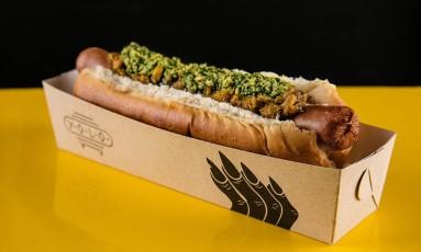 Chutney de banana e pesto de coentro em cachorro quente Foto: Tomas Rangel / Divulgação