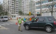 Moradores de condomínio em área de segurança olímpica têm rotina alterada Foto: Luiz Ernesto Magalhães / O GLOBO