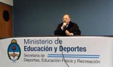 O presidente do Comitê Olímpico Argetino (COA), Gerardo Werthein, durante entrevista coletiva Foto: Reprodução/Twitter
