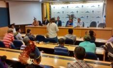 Índios mantêm autoridades do Ministério da Saúde reféns no auditório da pasta Foto: Divulgação