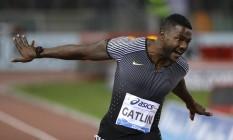 O americano Justin Gatlin celebra a vitória nos 100m rasos no Golden Gala da Federação Internacional de Atletismo, no Estádio Olímpico de Roma Foto: Gregorio Borgia / AP/2-6-2016