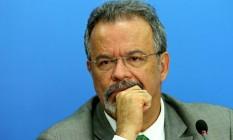 Ministro Raul Jungmann (Defesa) deu entrevista no Programa Roda Viva, da TV Cultura Foto: Jorge William / Agência O Globo