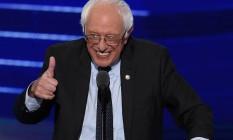 Sanders agradeceu voluntários, apoiadores e o movimento que foi criado em sua campanha Foto: SAUL LOEB / AFP