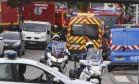 Policiais patrulham o local do ataque a uma igreja em Saint-Etienne-du-Rouvray, na França Foto: STEVE BONET / REUTERS