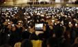 No primeiro discurso do Papa Francisco, em 2013, praticamente todos os presentes eternizaram o momento com suas câmeras em smartphones ou tablets