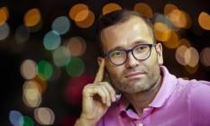 """""""Há condições estruturais, culturais e econômicas que fazem com que a violência nos estádios seja possível"""", diz Onesimo Gerardo Rodriguez Aguilar Foto: Leo Martins / Agência O Globo"""
