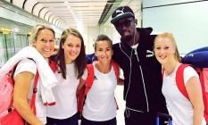 Atletas do Reino Unido tietam Usain Bolt Foto: Reprodução/Instagram