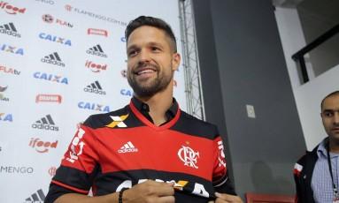 Apresentado no dia 21, Diego tem estreia aguardada para a 19ª rodada do Brasileirão Foto: Rafael Moraes / Agência O Globo