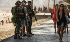Militares têm sido usado com frequência em funções de segurança pública Foto: Guilherme Leporace / Agência O GLOBO