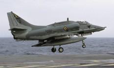 AF-1B Skyhawk, modelo do avião da Marinha envolvido em acidente na terça-feira Foto: Rob Schleiffert / Wikimedia Commons