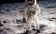 Astronauta do programa Apollo na Lua, em 1969