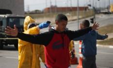 Exercito realiza simulação de atentado na Arena Coritnhians. Foto: Marcos Alves/Agência O Globo