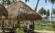 Refúgio selvagem. Cabanas de artesãos, quartos com vista para o mar e spa com terapias orientais no Shangri-La Hambantota, no Sri Lanka (na página à esquerda )