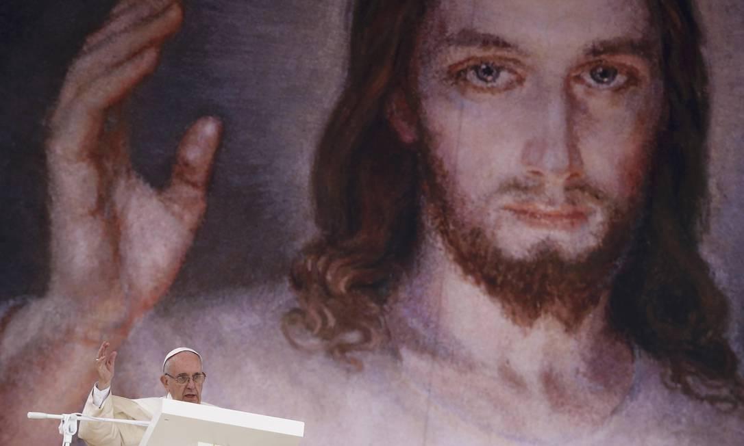 Durante sua fala, o Papa pediu também que os jovens questionem e sonhem KACPER PEMPEL / REUTERS