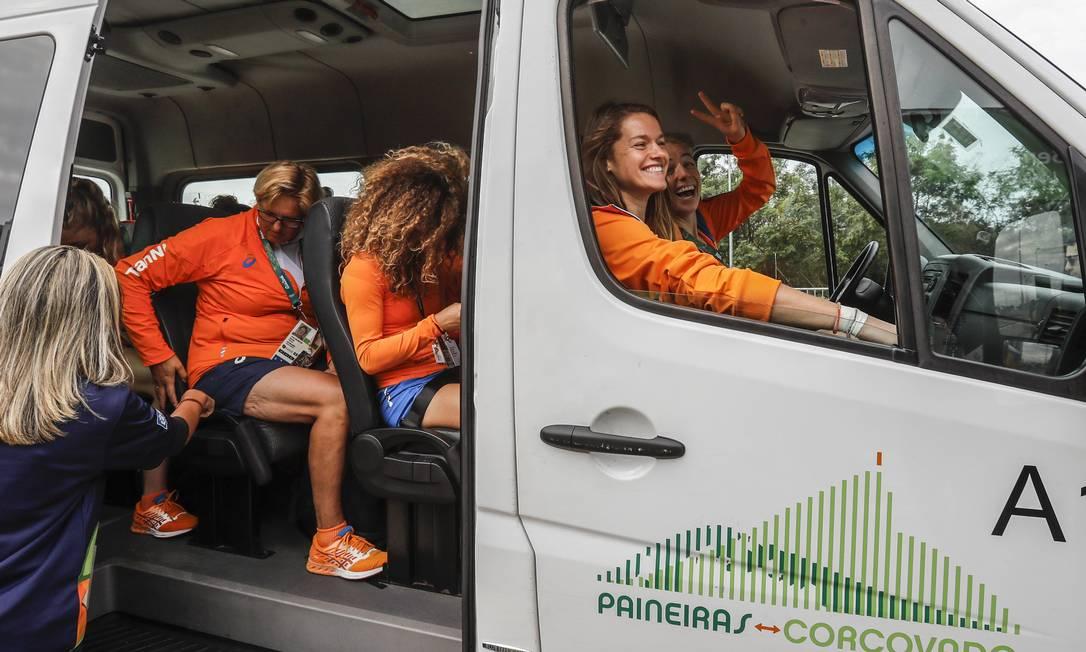 As holandesas estavam empolgadas com o passeio Alexandre Cassiano / Agência O Globo