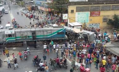 Caminhão e trem se envolvem em acidade em Piabetá, na Baixada Fluminense Foto: Reprodução internet