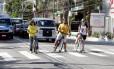 Da esquerda para a direita, Simone Villas -Boas e Rafael Rigaud, ambos do Mobilidade Urbana Freguesia; e Carolina Queiroz, do Ciclo Rota Jacarepaguá