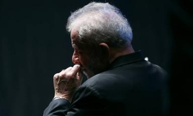 O ex-presidente Lula participa do Congresso da União da Juventude Socialista, na Faculdade Zumbi dos Palmares, em São Paulo Foto: Edilson Dantas / Agência O Globo